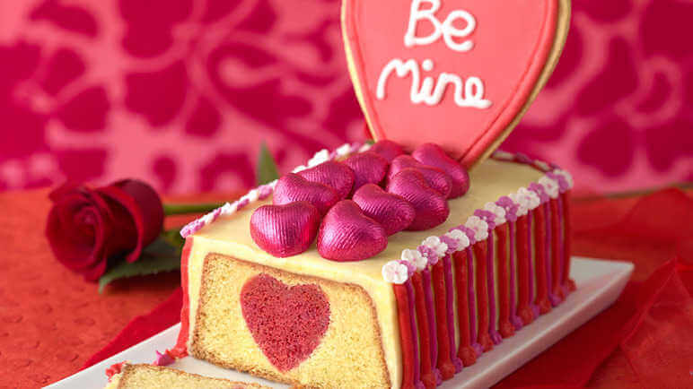 Unique Cakes to Make your Valentine's Day more Special