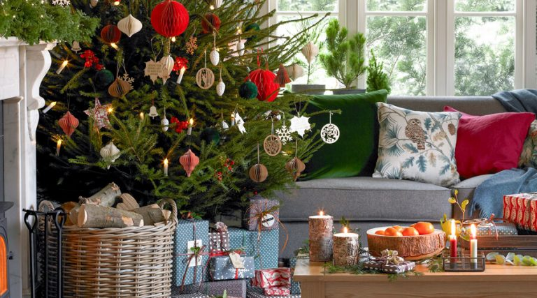 9 of the Best-Ever Christmas Decorating Ideas for Your Living Room